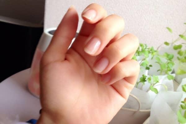 ジェル ネイル た 爪 欠け 【爪が痛い】ジェルネイルで爪が痛む原因と対処法について解説