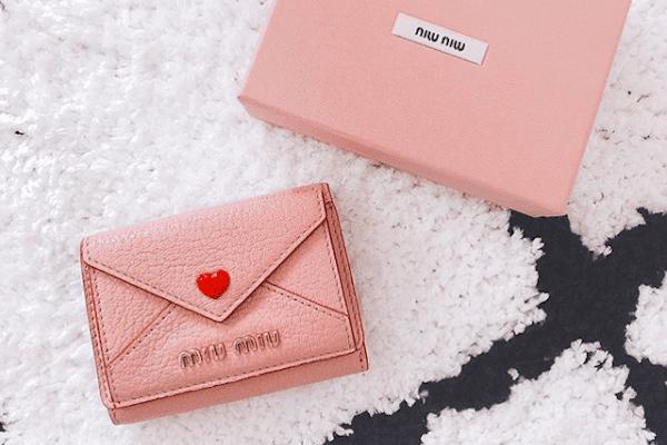 competitive price 4ad78 f9ef0 小さめバッグのお供に♡「かわいい」をGETできるミニ財布 ...
